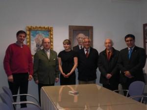 La empresaria rusa afincada en Cádiz, doña Olga Petrova, acompañada de ateneístas
