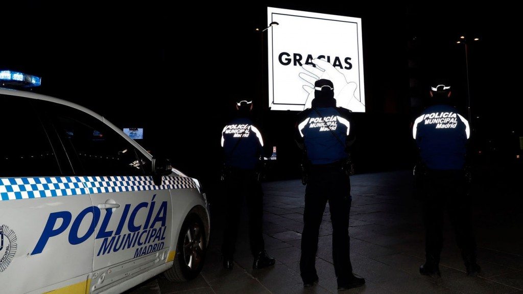 Agentes-Policia-Municipal-Madrid-Ayuntamiento_2217088316_7623081_1300x731